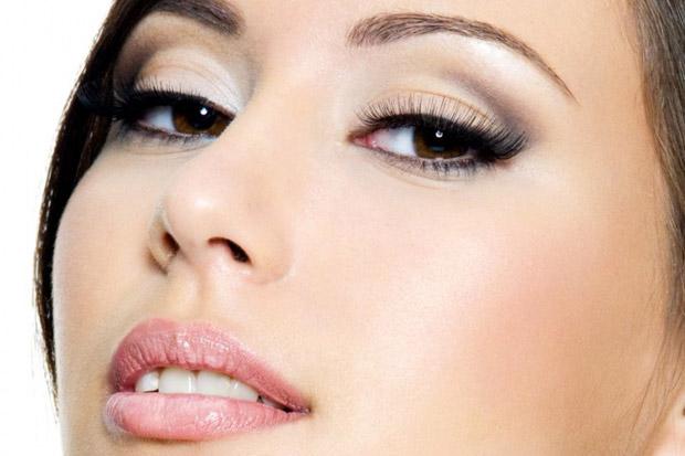 нежный макияж для темных глаз